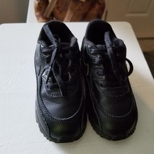 BOYS NIKE LEATHER BLACK AIRMAX SZ 8 SNEAKERS SHOES